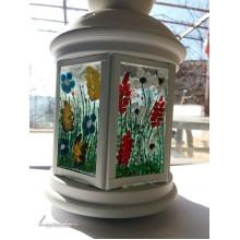 Декориран фенер с цветя